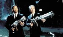 Liam Neeson and Chris Hemsworth Will Star in New 'Men in Black' Film