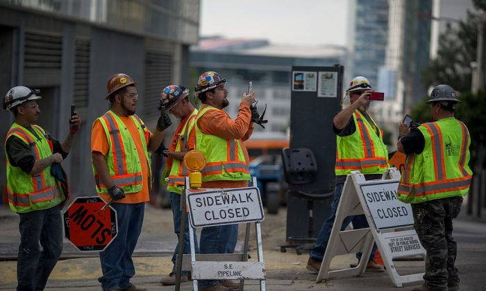 Construction workers in Los Angeles on Nov. 12, 2016. (David McNew/Getty Images)