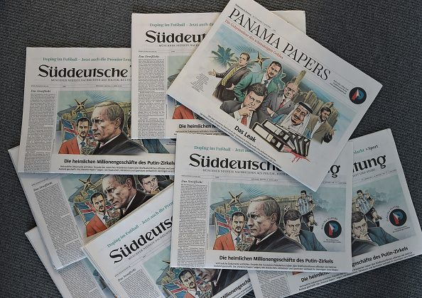"""A photo taken on April 7, 2016 in Munich, southern Germany, at the office of the German daily """"Sueddeutsche Zeitung"""" shows several issues of the newspaper dated April 4, 2016. (CHRISTOF STACHE/AFP/Getty Images)"""
