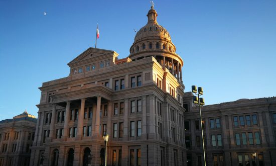 Tipster Tours Offers Free Walking Tours of Austin
