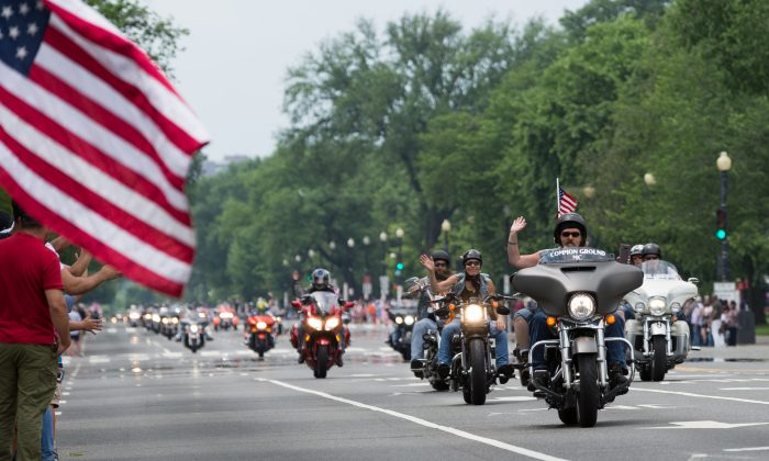 Riders participate in the 31st annual Rolling Thunder motorcycle rally in Washington on May 27, 2018. (Paul Huang/The Epoch Times)