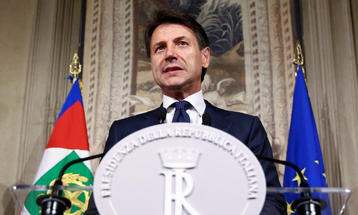 Italy's Prime Minister-designate Giuseppe Conte talks to the media at the Quirinal Palace in Rome, Italy, May 31, 2018. (Reuters/Alessandro Bianchi)