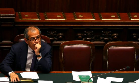 New Italian Economy Minister Vows to Stay in Euro and Cut Debt Level