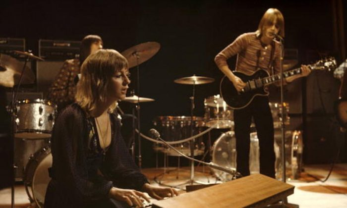 UNITED KINGDOM - JANUARY 01:  TOP OF THE POPS  Photo of FLEETWOOD MAC, L-R: Mick Fleetwood, Christine McVie, Danny Kirwan performing  (Photo by Ron Howard/Redferns)