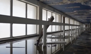 Videographers manage to sneak into abandoned airport—what they discover inside—it's fascinating