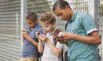 How Smartphones Are Causing Kids to Experience 'Altered Childhoods'