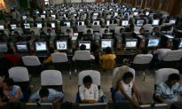 Chinese Regime Tightens Social Media Control With Investigation on College Students