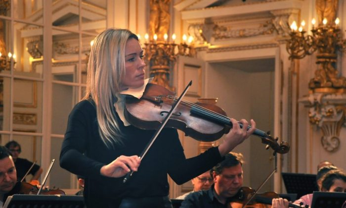 Czech viola virtuoso Jitka Hosprova with  the Czech Radio Symphony Orchestra at the Czech Touch of Music festival, in the Spanish Hall of the Prague Castle, in 2015. (jitkahosprova.com)