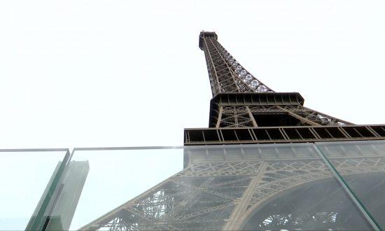 Work Starts on 3 Metre High Bulletproof Wall Round Eiffel Tower
