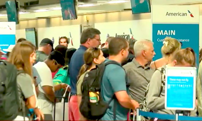 """Thousands stranded, again, due to American Airlines """"technical issue"""" (Screenshot/Fox News)"""