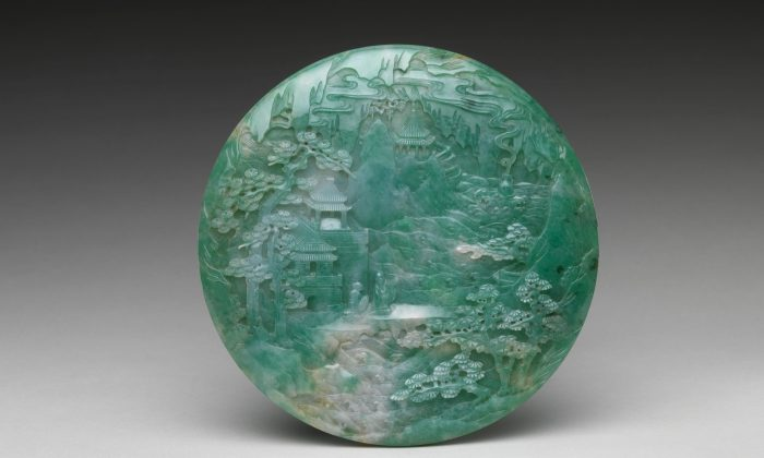 Table screen with landscape scene, 18th–19th century (Qing Dynasty). Jade (jadeite) 6 13/16 inches high, by 9/16 inches wide, gift of Heber R. Bishop, 1902. (The Metropolitan Museum of Art)