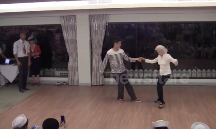 90-year-old woman celebrating her birthday wows everyone with dance moves she's never lost
