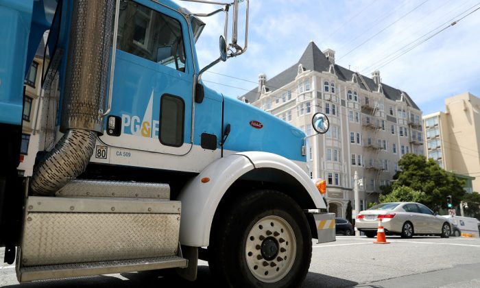 SAN FRANCISCO, CA - JUNE 18: A  Pacific Gas and Electric (PG&E) truck sits parked on a street on June 18, 2018 in San Francisco, California. (Photo by Justin Sullivan/Getty Images)