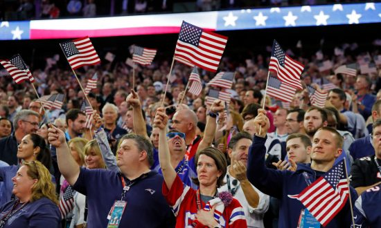 9 in 10 US Adults Proud to Be American: Poll
