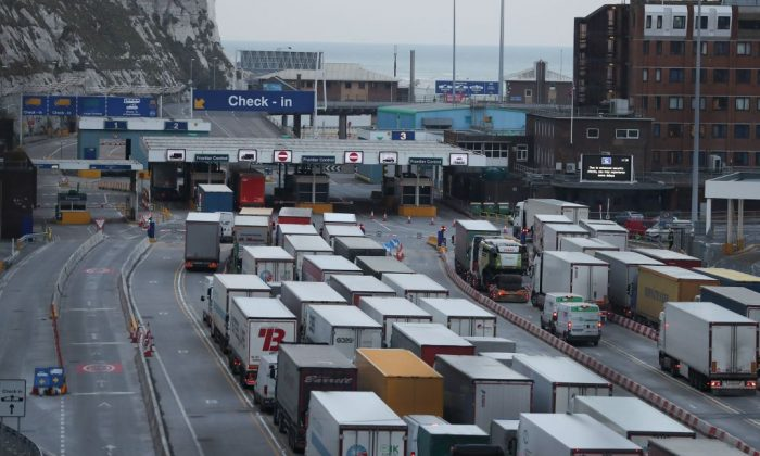Lorries queue up at the port of Dover on the south coast of England on March 19, 2018. (Daniel Leal-Olivas/AFP/Getty Images)