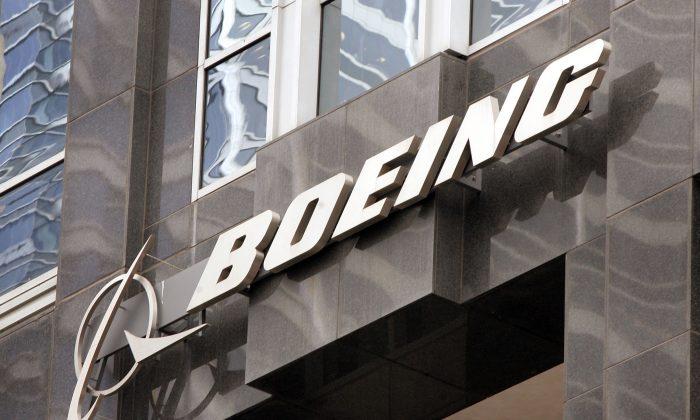 The Boeing logo on the corporate world headquarters building in Chicago on Nov. 28, 2006. (Scott Olson/Getty Images)