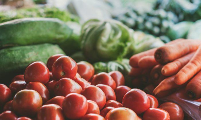 Fresh vegetables at a market. (Sven Scheuermeier/Unsplash)