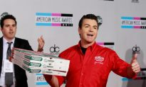 'Papa John' Schnatter Claims He Was Blackmailed Over Racial Slur