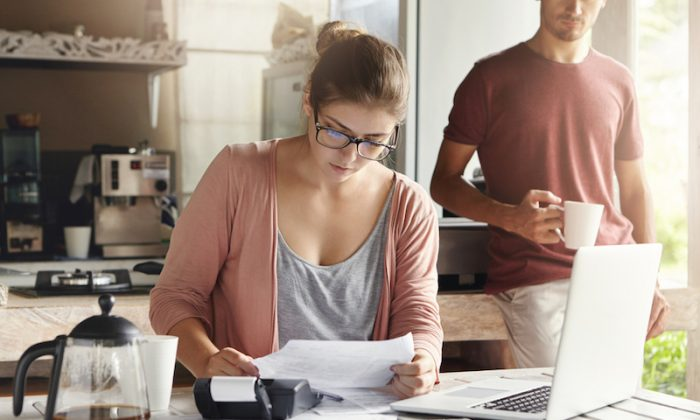 If you want to get out of debt, start by making a budget. (Shutterstock)
