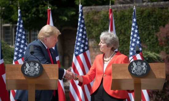 Trump Says UK PM Doing 'Fantastic' Job, Promising Trade Deal