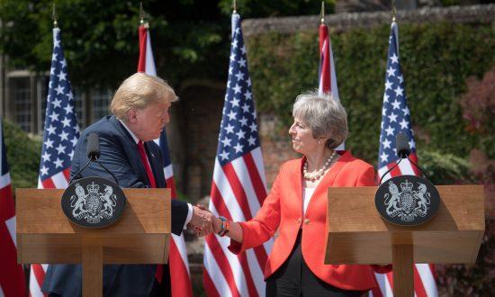 Trump Says UK PM Doing 'Fantastic' Job, Promising Trade Deal