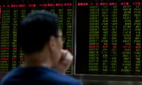 Trade War Produces Divergent Reaction from US, Chinese Markets