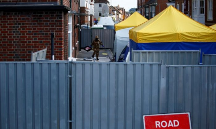 Novichok search teams recover 400 items in 'painstaking' investigation