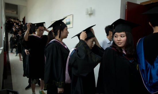 Chinese Website Sells Its Services in Forging University Diplomas