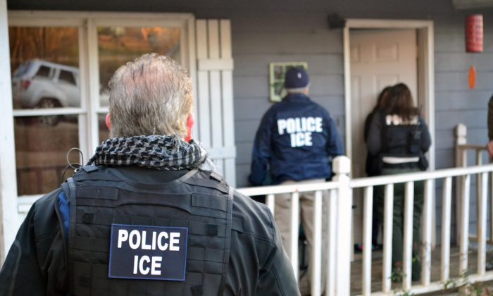 Immigration and Customs Enforcement agents seek to arrest immigration fugitives, re-entrants, and at-large criminal aliens during an operation in Atlanta, Georgia on Feb. 9, 2017. (Bryan Cox/U.S. Immigration and Customs Enforcement via Getty Images)