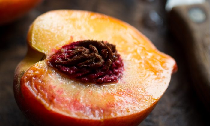 """Perfectly ripe, """"pie-worthy"""" peaches from Frog Hollow Farm in Brentwood, Calif. (Andrew Scrivani)"""