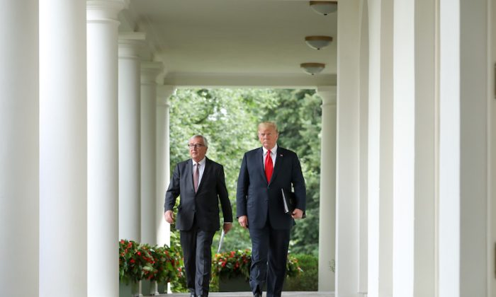 President Donald Trump meets with the President of the European Commission Jean-Claude Juncker in the Rose Garden of the White House in Washington on July 25, 2018. (Samira Bouaou/The Epoch Times)