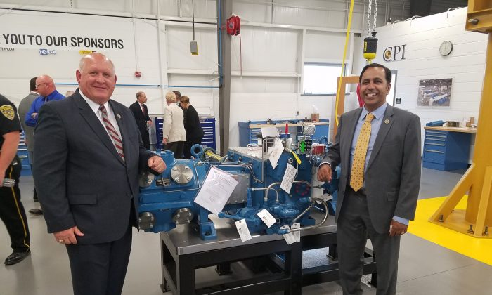 Rep. Glenn Thompson (R-Pa.) and Rep. Raja Krishnamoorthi (D-Ill.) at the Central Pennsylvania Institute of Science and Technology in Pleasant Gap, Pennsylvania in Aug. 2017. Thompson and Krishnamoorthi sponsored the Strengthening Career and Technical Education for the 21st Century Act that was signed into law by President Donald Trump on July 31.(Courtesy of Rep. Glenn Thompson)
