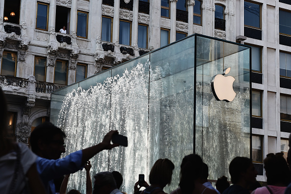 A general view during the Apple store opening in Milan at Piazza Liberty on July 26, 2018 in Milan, Italy.   Stefania M. D'Alessandro/Getty Images)