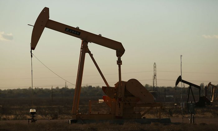 A pumpjack sits on the outskirts of town  in the Permian Basin oil field on January 21, 2016 in the oil town of Midland, Texas. (Spencer Platt/Getty Images)