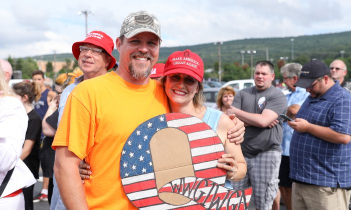 Francesca and David Spotts before a Make America Great Again rally in Wilkes-Barre, Penn., on Aug. 2, 2018. (Samira Bouaou/The Epoch Times)