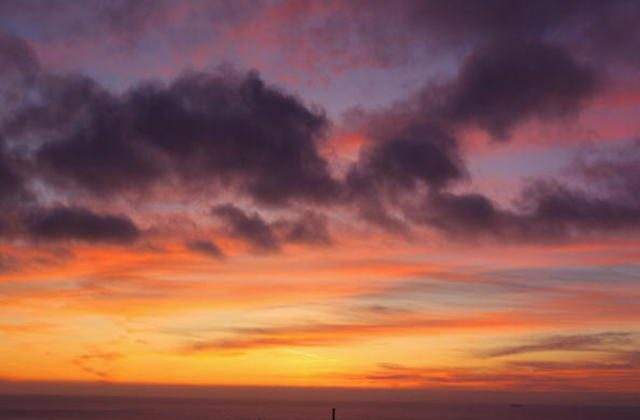 The sky over Lands End darkens after the sun has set  Oct. 10, 2009 in Cornwall, England. ( Matt Cardy/Getty Images)