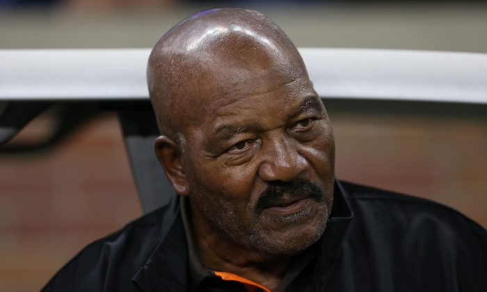 Former Cleveland Browns running back and National Football League Hall of Famer Jim Brown watches the action from the sidelines prior to the start of the preseason game against the Detroit Lions at Ford Field in Detroit, Michigan on Aug. 9, 2014. (Leon Halip/Getty Images)