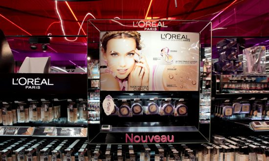 L'Oreal Adds to Facebook Sales Push With Virtual Make-Up Tests