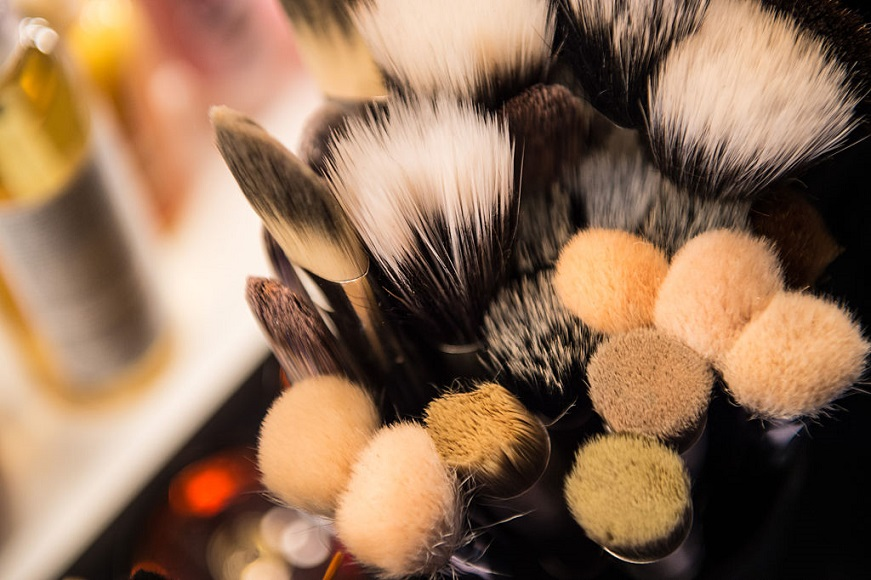 Backstage make-up brushes.