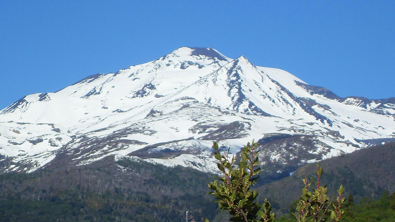 The Nevados de Chillán volcano in Chile (Wikimedia Commons)