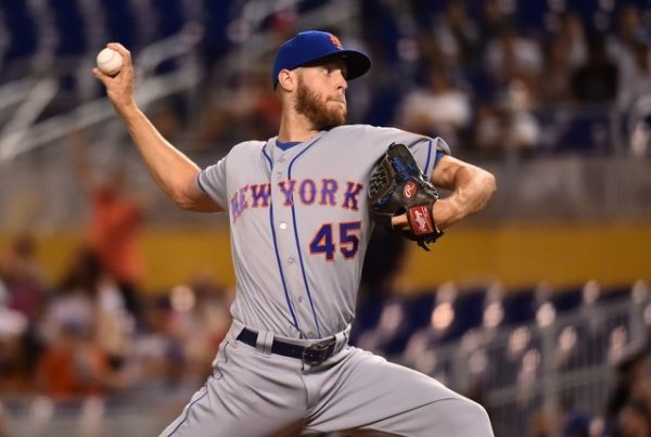 New York Mets starting pitcher Zack Wheeler delivers a pitch in the first inning against the Miami Marlins.