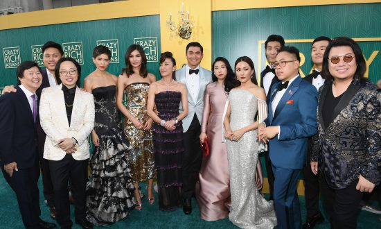 'Crazy Rich Asians' Garners Favorable Reviews by Critics