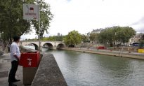Residents of Paris Neighborhoods Voice Outrage Over Very Public Eco-Friendly Urinals