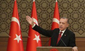 Turkey to Boycott US Goods, Erdogan 'Ready for War'