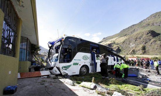 Bus Crash in Ecuador Kills 24 People, Injures 22
