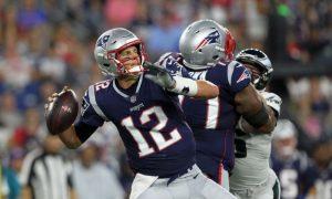 NFL Recap: Eagles' Foles Strains Shoulder