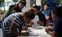 Ecuador Loses Control of Border as Venezuelans Flood In