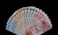 Turkey Says No Big Risk to Economy as Lira Falls Again