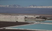 In Chilean Desert, Global Thirst for Lithium Is Fueling a 'Water War'