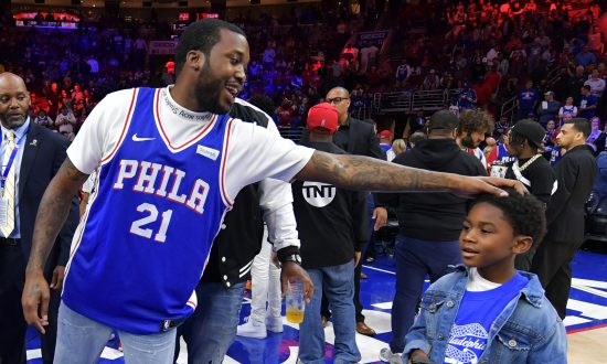 Rapper Meek Mill Donates Thousands of Backpacks to Kids in Philadelphia